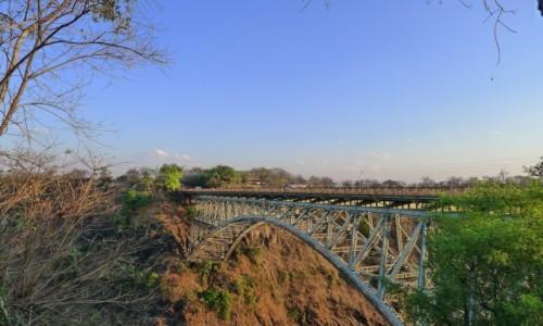 Zdjęcie ZIMBABWE / Pół.  zachodnie Zimbabwe /  Wodospady Wiktorii / Most