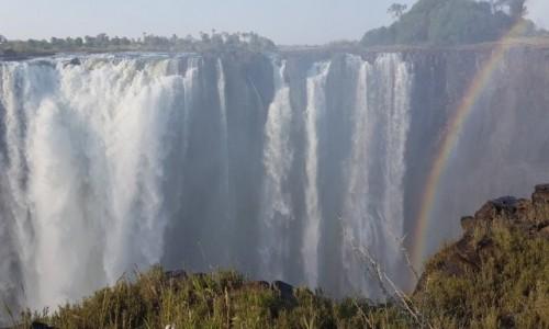 Zdjecie ZIMBABWE / Pół.  zachodnie Zimbabwe / Wodospady Wiktorii / Moc wodospadu