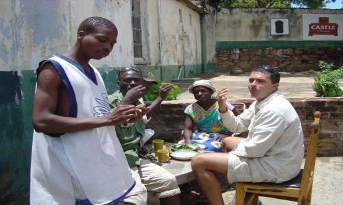 Zdjęcie ZIMBABWE / Mana Pools / bar przydrożny / Integracja, czyli U cioci Genowefy na imieninach 5