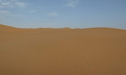 Zdjęcie ZJEDNOCZONE EMIRATY ARABSKIE / emirat Abu Zabi / Um az Zamul / pustynia Ar-Rab al-Chali