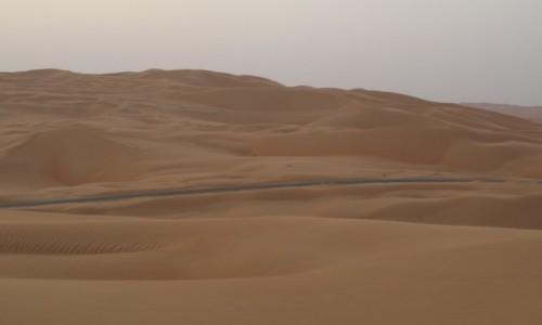 Zdjecie ZJEDNOCZONE EMIRATY ARABSKIE / emirat Abu Zabi / Um az Zamul / pustynia Ar-Rab al-Chali