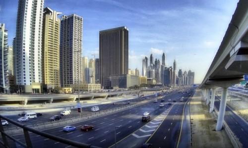 ZJEDNOCZONE EMIRATY ARABSKIE / - / Dubaj / Autostrada w Dubaju