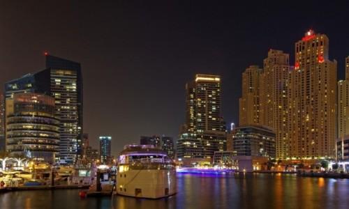 Zdjęcie ZJEDNOCZONE EMIRATY ARABSKIE / Dubaj / Marina / Dubaj nocą