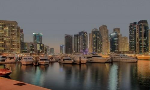 Zdjęcie ZJEDNOCZONE EMIRATY ARABSKIE / Dubaj / Dubaj / W promieniach zachodzącego słońca