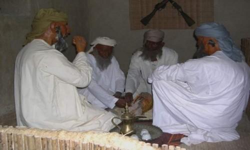ZJEDNOCZONE EMIRATY ARABSKIE / Emirat Dubaj / Hatta / Beduini - rekonstrukcj.