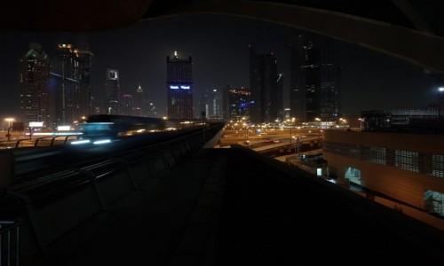 Zdjecie ZJEDNOCZONE EMIRATY ARABSKIE / Dubaj / Stacja metra / Metro