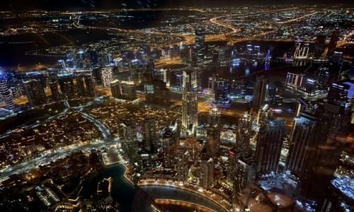 ZJEDNOCZONE EMIRATY ARABSKIE / Dubaj  / Dubaj  / Widok z Burj Khalifa nocą
