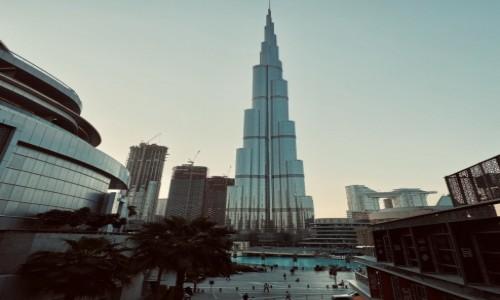 Zdjecie ZJEDNOCZONE EMIRATY ARABSKIE / Dubaj  / Dubaj  / Zachwycający Burj Khalifa