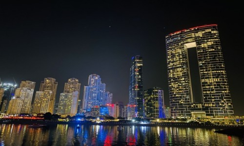 ZJEDNOCZONE EMIRATY ARABSKIE / - / Dubaj  / Przepiękny Dubai nocą