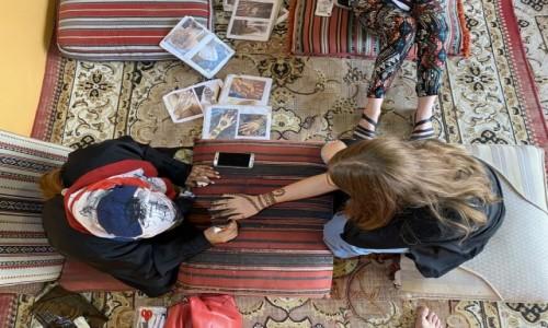 ZJEDNOCZONE EMIRATY ARABSKIE / - / Dubaj  / Henna na pustyni